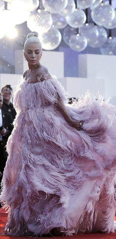 Lady Gaga International Film Festival of Venice) Divas, Lady Gaga Vestidos, Lady Gaga Dresses, Musica Lady Gaga, Joanne Lady Gaga, Lady Gaga Pictures, A Star Is Born, Justin Timberlake, International Film Festival