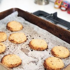 2 ingredient vegan & gluten free banana coconut cookies These 2 ingredientbanana coconut cookies are as simple as they sound. I found a recipe online last week when I was looking for things to use out 15kg of bananas with. Too good not to share! The Cookies will literally only take you 30 mins all…