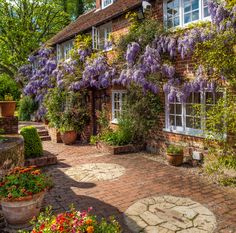 Ancient Wisteria at century Dipley Mill, Hampshire, England Garden Cottage, Cottage Homes, Home And Garden, Garden Living, Dream Home Design, My Dream Home, House Design, Dream Life, Garden Design