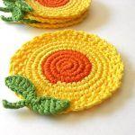 Crochet flower coasters -cute idea - for sale on Etsy Crochet Kitchen, Crochet Home, Love Crochet, Crochet Gifts, Crochet Motif, Crochet Doilies, Crochet Flowers, Knit Crochet, Crochet Patterns