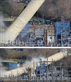 Ocurrió en noviembre de 2010 en Springfield (Ohio) aunque, la verdad, que una torre de 83 metros caiga hacia el lado contrario, sobre su propia planta eléctrica, dejando sin electricidad toda la zona es digno de otro Springfield...
