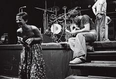 Elis Regina e Cesar Camargo Mariano durante os ensaio do espetáculo Transversal do Tempo, em 1977 (foto: Hélio Campos Mello)