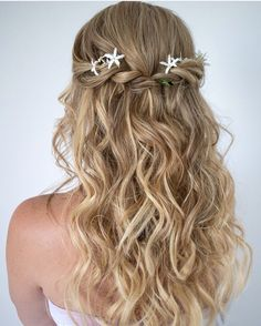 Flowers in a twist back, cute!