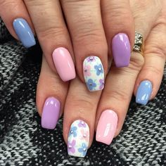 Pastel Flower Accent Nail Design