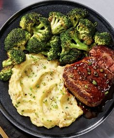 Beef Tenderloin and Balsamic Steak Sauce Easy gourmet beef recipe with sour cream & chive mashed po Healthy Meal Prep, Healthy Snacks, Healthy Eating, Healthy Recipes, Beef Recipes, Cooking Recipes, Salmon Recipes, Steak Dinner Recipes, Gourmet Recipes