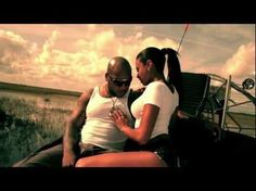 Atlantis the Palm and The Palm island in Dubai are featured in Flo Rida's new video for 'Wild One's' ft Sia.