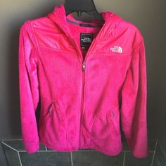 North face jacket north face hot pink jacket  100% authentic  size small  - 🎀10% off with a bundle🎀 📬Fast shipping📬 🚭Non-Smoking🚭 ⚠️No trades⚠️ 👗Open to fair offers👗 ✨Happy poshing!!✨ North Face Jackets & Coats