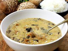 My s juniorem máme nejradši houbovku s knedlíkem a vrchní velitel s rýží :) Cheeseburger Chowder, Food, Essen, Meals, Yemek, Eten