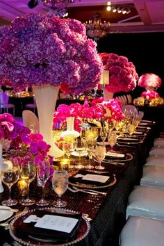 So cute! Purple and pink table setting! #pink #purple #wedding
