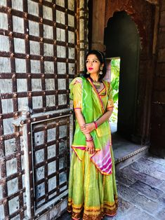 Location – Moti Bagh, Jodhpur Festive celebrations are in full swing as Diwali is right around the corner. Indian Wedding Couple, Indian Bridal, Ethnic Outfits, Indian Outfits, Chania Choli, Rajasthani Dress, Indian Classical Dance, Rajputi Dress, Sleeves Designs For Dresses