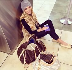 Is Your Best Choice On This Years, New Ideas For This Summer Inspire You, It Is Your Best Chance To Purchase Your Dreamy LV Handbags Outlet Here! Press Picture Link Get It Immediately! Not Long Time For Cheapest. Fall Winter Outfits, Autumn Winter Fashion, Looks Instagram, Ellie Saab, 2016 Trends, Airport Style, Look Chic, Mode Style, Celine