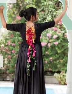 Saree Tassels Designs, Sari Blouse Designs, Dress Indian Style, Indian Dresses, Navratri Dress, Anarkali Dress, Lehenga, Frocks And Gowns, Black And White Scarf