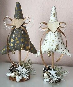 Best Indoor Garden Ideas for 2020 - Modern Fabric Christmas Trees, Felt Christmas Ornaments, Diy Christmas Tree, Christmas Projects, Christmas Wreaths, Winter Christmas, Handmade Christmas Decorations, Christmas Sewing, Holiday Crafts
