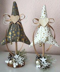 Fabric Christmas Trees, Felt Christmas Ornaments, Diy Christmas Tree, Homemade Christmas, Christmas Projects, Winter Christmas, Handmade Christmas Decorations, Xmas Decorations, Theme Noel