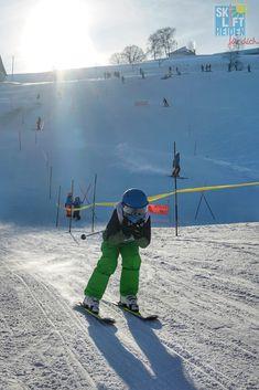 Wintersport für die ganze Familie im Appenzellerland hoch über dem Bodensee #traumlinse #skiliftheiden #waterslidecontest #heidenüberdembodensee #appenzellerland #myswitzerland Skilift, Mount Everest, Mountains, Travel, Pagan, Viajes, Trips, Traveling, Tourism