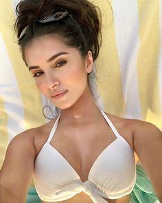 Bollywood Girls, Bollywood Actress Hot, Bollywood Stars, Indian Bollywood, Bollywood Celebrities, Indian Actress Hot Pics, Beautiful Indian Actress, Beautiful Women, Beautiful Birds