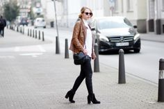 brown leather jacket, outfit, streetstyle, minimal outfit, spring outfit, black jeans, zara sweater, bezauberndenana