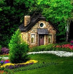 it's an actual cottage! see, i was serious about the cottage thing. Small Cottage House Plans, Small Cottage Homes, Cottage In The Woods, Cozy Cottage, Cottage Style, Garden Cottage, Backyard Cottage, Small Homes, Stone Cottage Homes