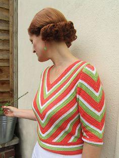 Crochet Patterns Jumper chevron striped crochet jumper created from an original pattern Crochet Wrap Pattern, Chevron Crochet, Vintage Crochet Patterns, Easy Crochet Patterns, Vintage Knitting, Crochet Jumper, Crochet Blouse, Knit Crochet, Crochet Hats