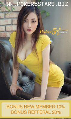 Bai Xiao Bai 白小白 is a hot and pretty Asian model from Beijing, China. Bai Xiao Bai was born on October Cute Asian Girls, Hot Girls, Asian Ladies, Asia Girl, Beautiful Asian Women, Mellow Yellow, Sensual, Asian Woman, Nylons
