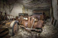 """vergeten schat in Franse steengroeve: historische auto's die """"verborgen werden voor nazi's"""""""