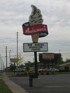 If you don't see anyone you know whilst standing in line at Anderson's, you know you've been gone too long!
