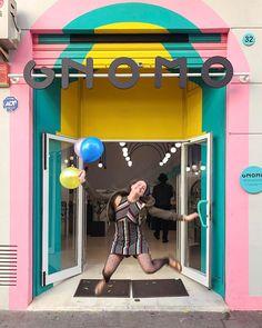 ¡Por fin es viernes!    #weekend #finde #yay #happiness #smile #balloons #enjoy #friday #gnomo #saltar #jump #architecture #felicidad #fachadasbonitas #tiendasbonitas #ruzafa #ruzafabonita #ruzafamola