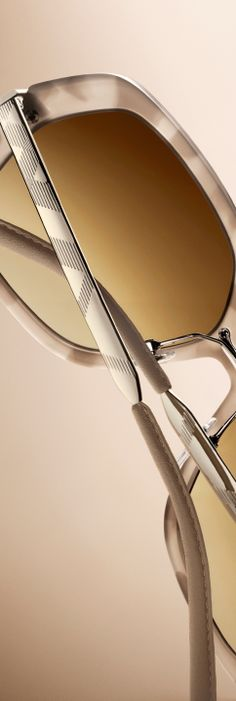 Sunglasses inspired by the design, craftsmanship and rich heritage of the Burberry trench coat