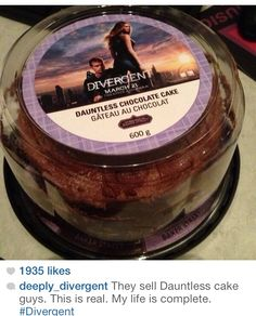 THEY MAKE DAUNTLESS CAKE. I wonder if that's actually real or if someone just bought a cake and printed off of the label. <<it says Baker Street down at the bottom! It was sherlock! Divergent Memes, Divergent Hunger Games, Divergent Fandom, Divergent Trilogy, Divergent Insurgent Allegiant, Tfios, Divergent Cake, Divergent Party, Insurgent Quotes