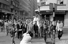 Ballot, Henri  -  Manifestação após vitória de Jânio Quadros para o governo do Estado de -- São Paulo  1954    São Paulo  SP  Brasil     Cumulus