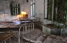 Deemed the most haunted location in Italy, Poveglia is a small island close to Venice. The island was once a plague pit, called lazaretto, a mass quarantine for the victims of the bubonic plague during the height of the Black Death. Most Haunted Places, Scary Places, Mysterious Places, Abandoned Asylums, Abandoned Places, Old Buildings, Abandoned Buildings, Abandoned Hospital, Ghost Towns