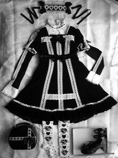 -Baby the Stars Shine Bright (BABY/BtssB) and Angelic Pretty (AP) Gothic Lolita Fashion Co-ordinate minus the Jabbot -ベイビーザスターズシャインブライトとアンジェリックプリティのゴッシクロリータファッションコーディネートです!
