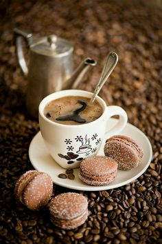 ☕ღ.      Coffee and French macarons