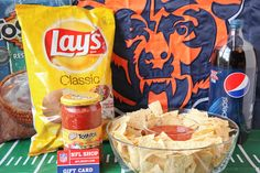 NFL games are as much a part of Thanksgiving as turkey, mashed potatoes and pumpkin pie. This year, you can serve up a feast for football fans! This Ultimate Party Pack giveaway has everything you need while cheering on your favorite team. I am originally from Chicago, so I am a Bears fan, but if [...]
