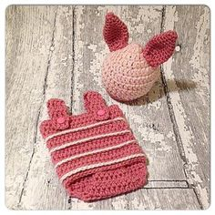 Crochet Baby Design Little Piglet Romper and hat Crochet pattern by Wooly Knits and Crochet Crochet Baby Cocoon, Crochet Bebe, Crochet Baby Clothes, Crochet Gifts, Baby Blanket Crochet, Crochet For Kids, Knit Crochet, Ravelry Crochet, Easy Crochet