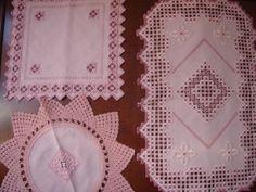 Hardanger Konvolut 3 Deckchen Läufer rosa Handarbeit Häkeln Spitze 120x27 ES224