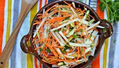Jicama and Cucumber Slaw with Sweet and Spicy Dressing - My Latina Table Slaw Recipes, Healthy Recipes, Healthy Food, Taco Appetizers, Apple Slaw, Crispy Onions, Spicy Shrimp, Sweet And Spicy, Side Dishes