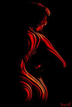 """""""Fiery Back"""" Painting on Metal or Canvas Painting Inspiration, Art Inspo, Photographie Art Corps, Body Art Photography, Erotic Photography, Lumiere Photo, Exotic Art, Diy Canvas Art, Light Painting"""