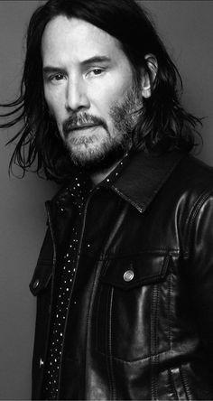 Keanu Reeves looks hot in leather jacket! Actor Keanu Reeves, Keanu Reeves Quotes, Keanu Reeves John Wick, Keanu Charles Reeves, Rodrigo Santoro, Michael Fassbender, Gorgeous Men, Beautiful People, Keanu Reaves