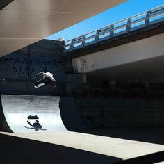 Julian Davidson warming up in Mexico with a kickflip