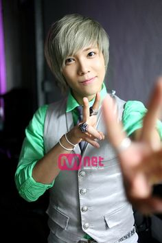 Lee HongKi (of FTIsland and You're Beautiful) He looks cool with any color hair! Jeremy!