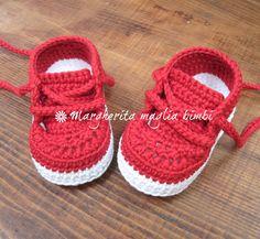 ab67a8354e3487 Scarpine/sneakers neonato/bambino - cotone rosso - uncinetto - fatte a mano