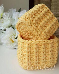 Lindo kit de cestos, amei By Crochet Box, Crochet Purses, Crochet T Shirts, Crochet Clothes, Crochet Decoration, Unique Crochet, T Shirt Yarn, Yarn Crafts, Crochet Projects