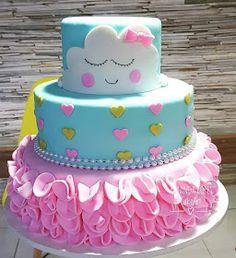 Montando minha festa: 15 deias lindas para festas tema chuva de amor! Baby Birthday Cakes, Baby Girl 1st Birthday, Baby Shower Cakes, Cloud Party, Unique Baby Shower Themes, Sunshine Birthday, Baby Cookies, Colorful Cakes, Gorgeous Cakes