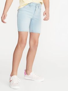 Old Navy Girls' Ballerina Light-Wash Denim Bermudass Summer Skies Regular Size 10 Old Navy Girls, Shop Old Navy, Girls Pants, Light Wash Jeans, Cute Shorts, Summer Shorts, Short Girls, Stylish Girl, Summer Looks