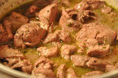 Υλικά για 4 μερίδες  Χοιρινή τηγανιά  1 κιλό χοιρινό σε κομματάκια  2 ποτήρια λευκό κρασί  1/2 φλυτζάνι ελαιόλαδο  αλάτι/πιπέρι  ρίγανη  χυμό από 2 λεμόνια  Χρόνος    Προετοιμασίας : 15 λεπτά  Μαγειρέματος : 1 με 1.5 ώρα  Εκτέλεση    Αρχικά πλένουμε καλά το κρέας. Βάζουμε το λάδι μας σε κατσαρόλα Food Network Recipes, Food Processor Recipes, Cooking Recipes, Healthy Recipes, Cooking Ideas, Tasty Dishes, Food Dishes, The Kitchen Food Network, Low Sodium Recipes