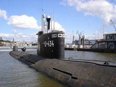 Výsledek obrázku pro obrázky ponorka hamburg Train, Hamburg, Strollers