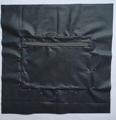 Grand sac fourre-tout décontracté en tissu velours. - Octavie à Paris Coin Couture, Bradley Mountain, Diy And Crafts, Paris, Tote Bag, Deco, Suzy, Photos, Chiffon