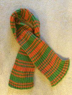 Knitted scarf! Handmade Scarves, Leg Warmers, Mittens, Panda, Knit Crochet, Sewing, Hats, Fashion, Leg Warmers Outfit