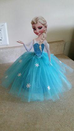 Frozen birthday party, Elsa centerpiece